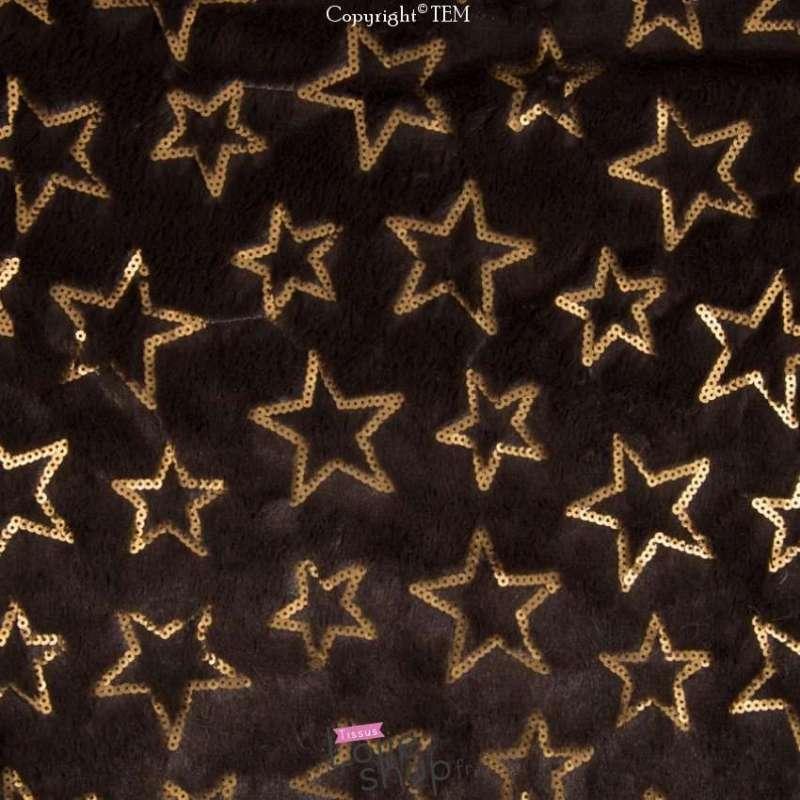 fourrure-marron-brodée-étoiles