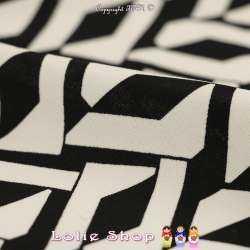 Microfibre Imprimé Motifs Graphiques Blancs Fond Noir