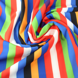 crêpe imprimé de rayures multicolores
