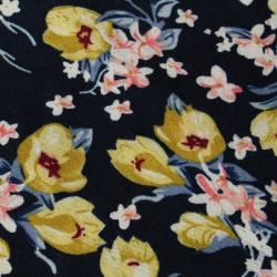 coupon viscose bleu marine à motif petites roses jaunes