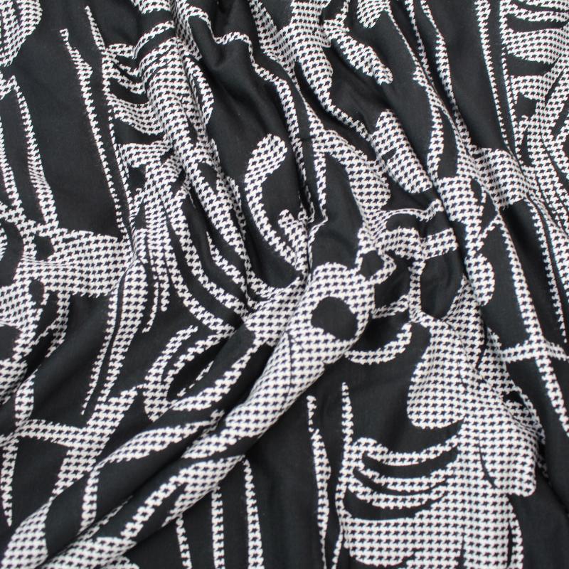 Tissus Jersey Viscose fond Noir Motif Fleurs Grises