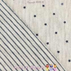 Magnifique Jersey 100% Coton Double Faces, Imprimé d'un coté Motif Étoile Bleu Marine Et de l'autre de Fines Rayures Bleu.