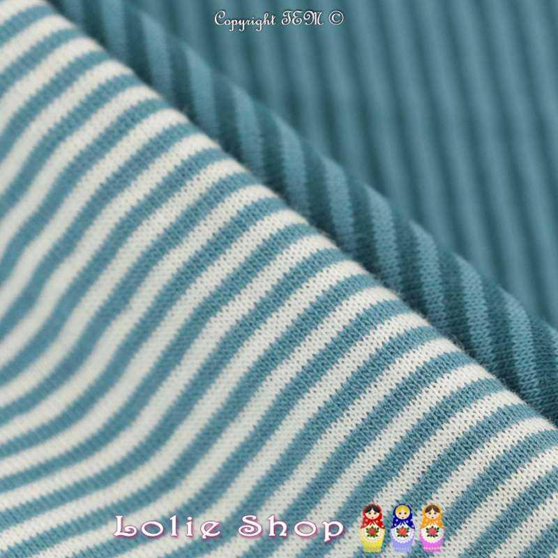 Superbe Jersey 100% Coton Double Face Imprimé Motif Fines Rayures Azur Clair Fond Blanc, et de l'autre Fines Rayures Bleu Canard