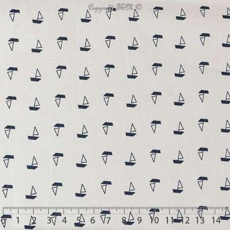 Tissu Popeline de Coton vendu au mètre Imprimé Motif Petits Bateaux Bleus Marine Fond Blanc