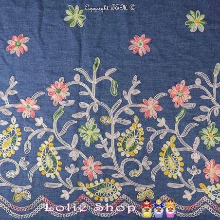 Coupon Chambray Coton Couleur Demin à Base Brodé de Fleurs dans des tons de couleurs vives